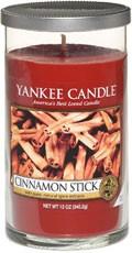 Svíčka Yankee Candle válec střední Cinnamon Stick