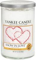 Svíčka Yankee Candle válec střední Snow in Love